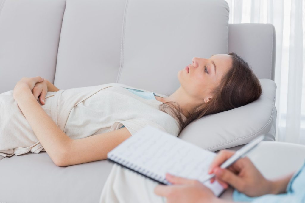 Responsive Hypnotherapy with a lady on a couch